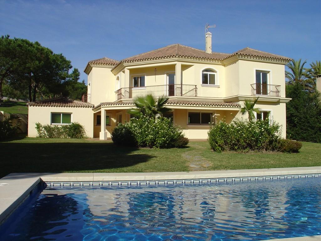 Почему выгодно покупать недвижимость в испании